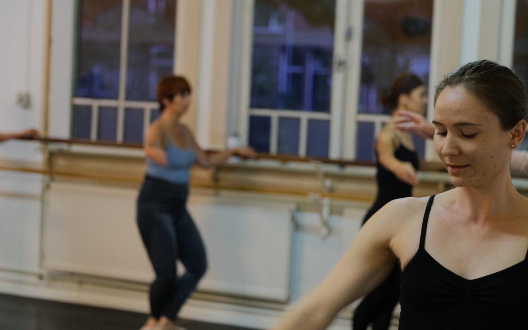 17. Klassiek Ballet – Intermediate – volwassenen (dinsdag)